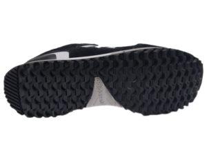 Зимние Adidas ZX 750 Low черные с белым - фото подошвы