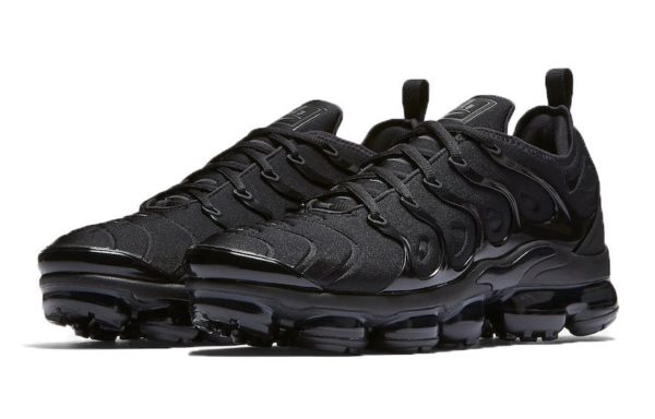 Nike Air VaporMax Plus Black черные (35-44)