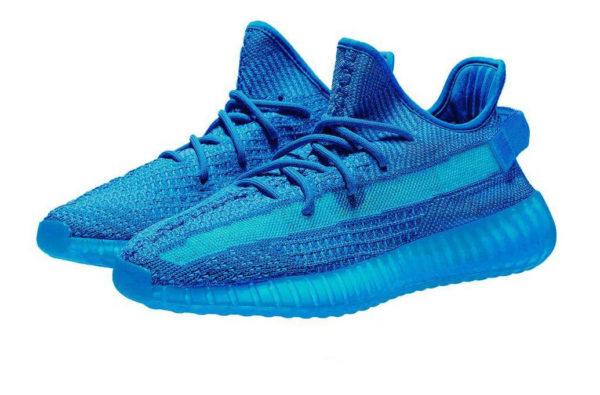 Синие кроссовки Adidas