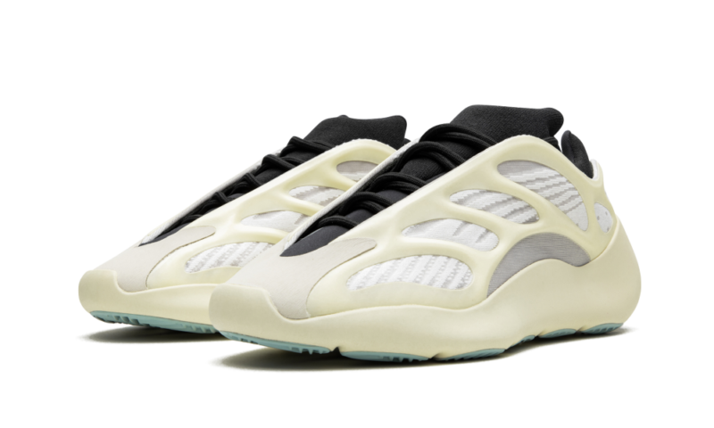 Adidas Yeezy Boost 700 V3 белые с черным светящиеся (40-44)