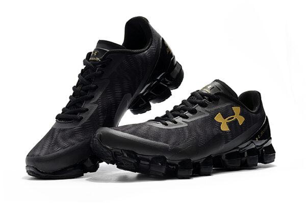 Золотые кроссовки Under Armour
