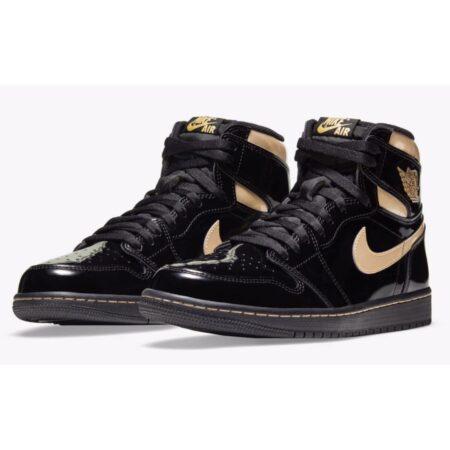 Золотые женские кроссовки